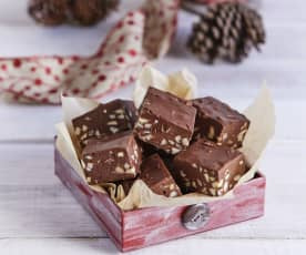 Quick Chocolate Almond Fudge