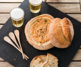 Patê de queijo, cogumelos e tomate
