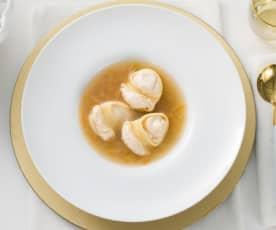 Sopa de galets rellenos de foie