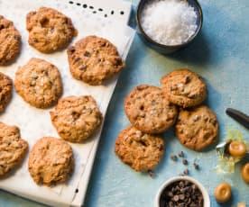 Cookies con caramelos, chocolate y escamas de sal