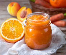 Composta di albicocche e carote all'arancia (a ridotto contenuto di zuccheri)