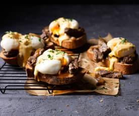 Tostas con entraña, huevo mollet y holandesa
