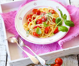 Spaghettini aglio olio mit Cherry-Tomaten