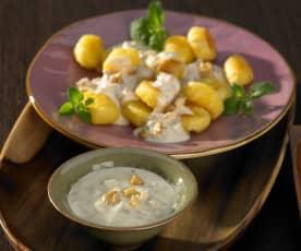 Blauschimmelkäse-Walnuss-Sauce
