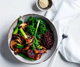 Black rice bowl with chicken and mushroom (gut health)