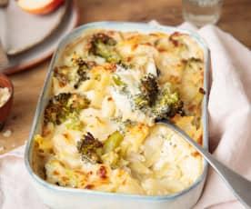 Gratinado de brócoli, pera y pasta con queso azul