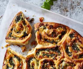 Pesto-Mozzarella-Rollkuchen