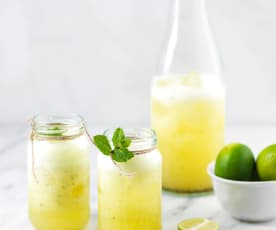 Mojito de ananás e hortelã