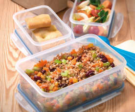 Insalata di farro, fagioli, sedano e carote