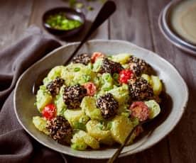 Kartoffelsalat mit Lachs und Avocado