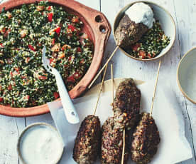 Keftas sauce yaourt et menthe, taboulé libanais