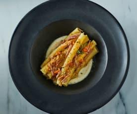 Pasta alla genovese con ossobuco alla milanese su fonduta di Parmigiano (di Maurizio Rosazza)