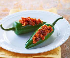 Chiles jalapeños rellenos de machaca de marlín