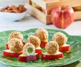 Triangulitos de manzana con trufas de 2 quesos y uva