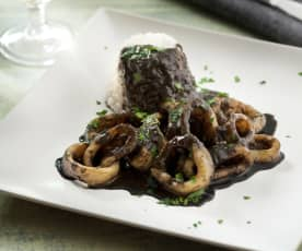 Squid in squid ink sauce (calamares en su tinta)
