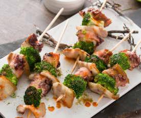 Brochetas de pulpo y brócoli con salsa kimchi (Al vacío)