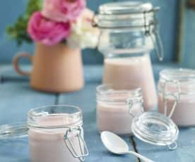 Iogurte de morango para os mais novos