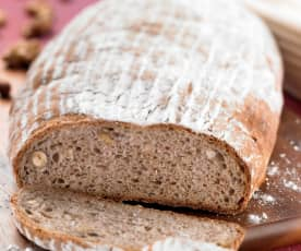 Nuss-Buttermilch-Brot