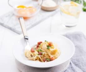 Spaghetti carbonara na samych żółtkach