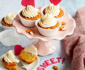Apfel-Mandel-Cupcakes mit Karamellcreme