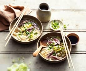 Soupe au bœuf et nouilles chinoises