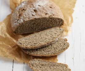 Pão integral caseiro com farinha de sementes