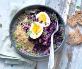 Salade de chou rouge, boulgour et œuf dur