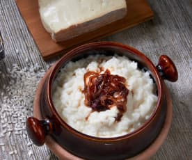 Taleggio risotto with balsamic caramelised onions
