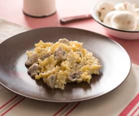 Pasta con champiñones y nata