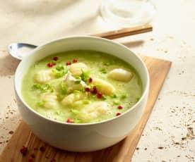 Zucchinicremesuppe mit Gnocchi