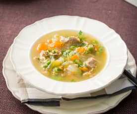 Caldo escocés (Scotch broth)