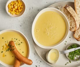 Soupe de maïs et saucisses de Vienne