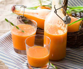 Zumo de naranja y zanahoria con jengibre