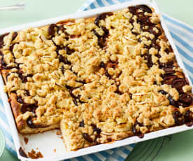 Zwetschgen-Apfel-Blechkuchen