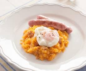 Calabaza en ajillo con salchichas y huevo poché