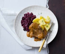 Pork and gravy with red wine cabbage
