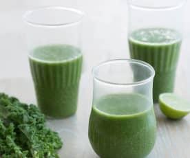 Kale, chia, pear and orange smoothie