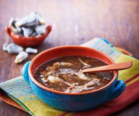 Sopa de hongos con huitlacoche