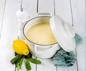 Avgolemono (řecká citrónová polévka)