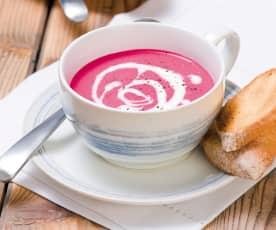 Kremowa zupa z pieczonych buraków