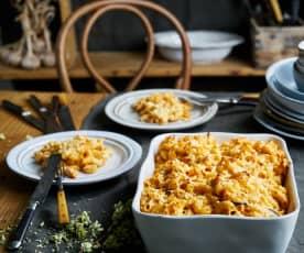 Macarrão com frango e molho de queijo