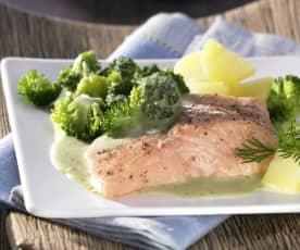 Lachsfilet mit Brokkoli, Kartoffeln und Dillsauce
