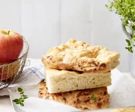 Focaccia z jabłkiem i cebulą