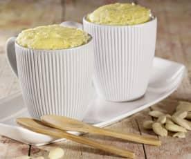 Mug cake al limone e mandorle