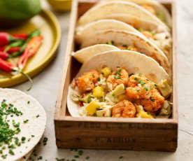 Tacos de camarão e manga