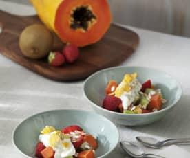 Fresón, papaya y kiwi con crema de requesón