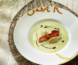 Petersilienwurzel-Suppe mit Rote-Linsen-Püree