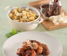 Albóndigas de pavo con mozzarella y salsa de tomate con berenjenas