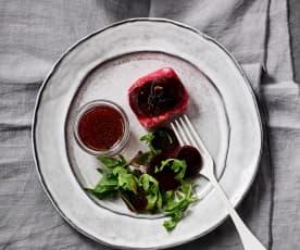 Filetes de merlusa con ensalada de arúgula y betabel al vacío