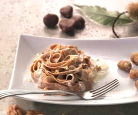 Tagliatelle de harina de castaña al pesto de nueces (sin gluten)